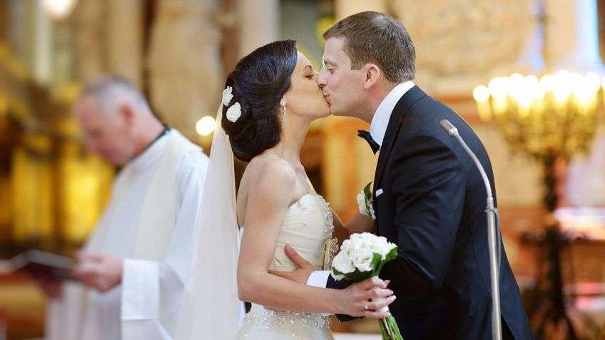 Подготовка к венчанию: как живущим в браке подготовиться к венчанию в православной церкви и нужно ли держать пост?