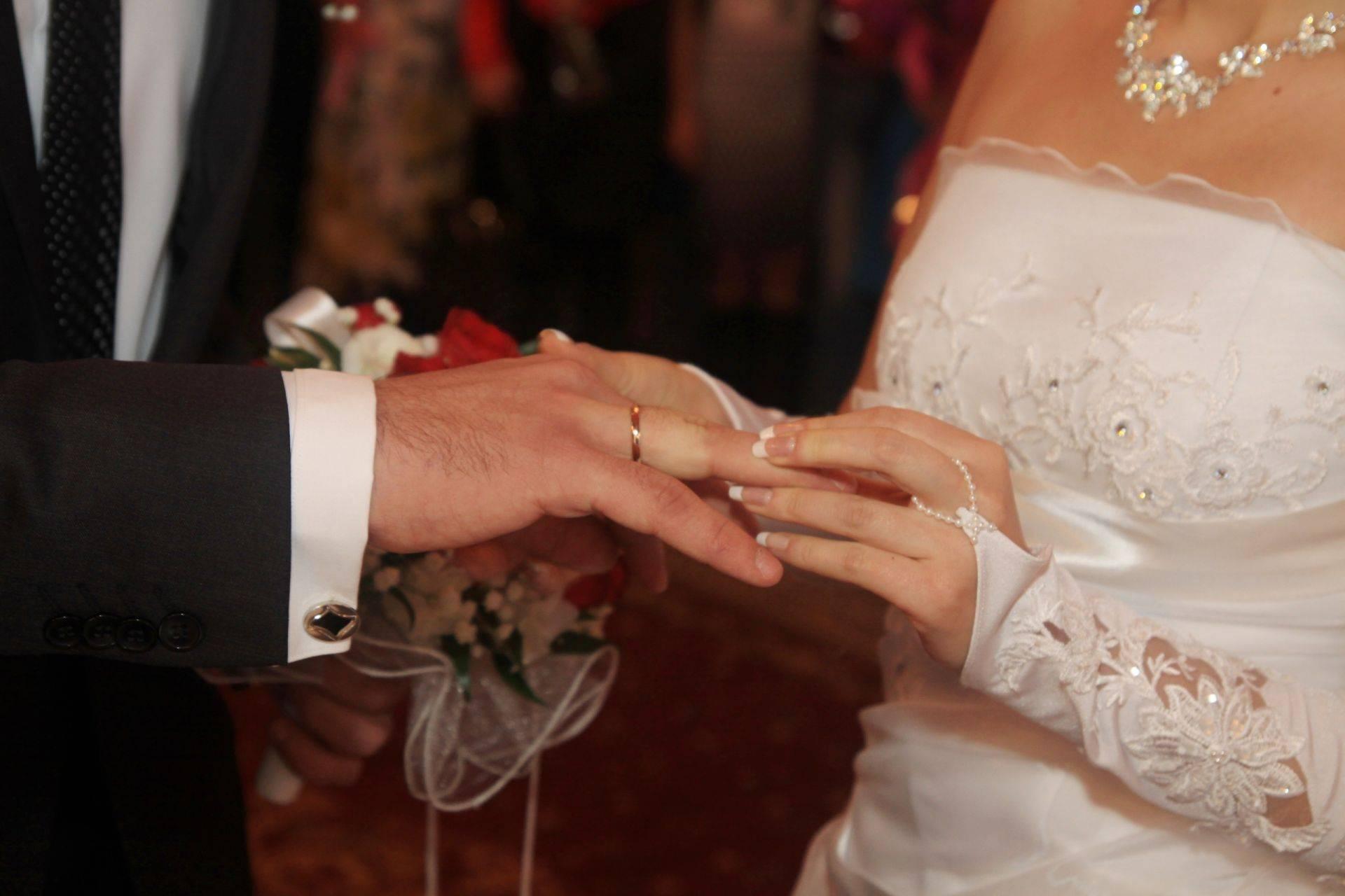 Благоприятные и красивые дни для свадьбы в феврале