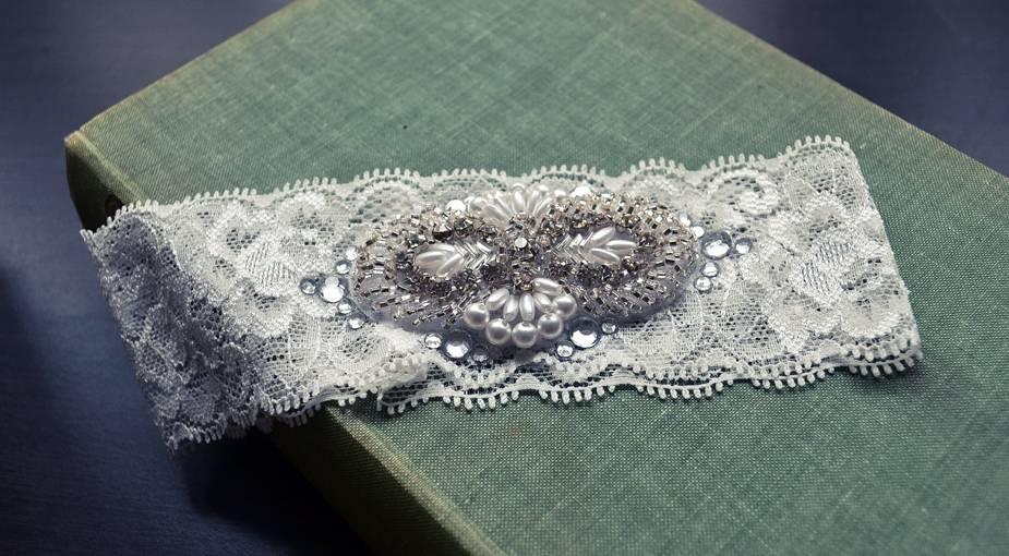 Красивая подвязка невесты своими руками: мастер-класс и идеи для творчества