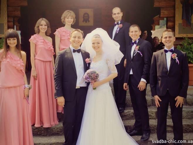 Как одеться на свадьбу молодоженам, свидетелям и гостям?