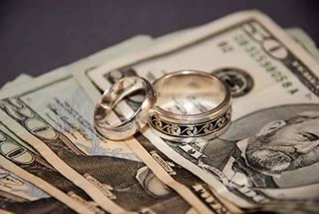 Как оригинально подарить подарок и деньги на свадьбу