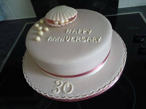 Торт на жемчужную свадьбу (29 фото): выбираем десерт на 30-ю годовщину родителей