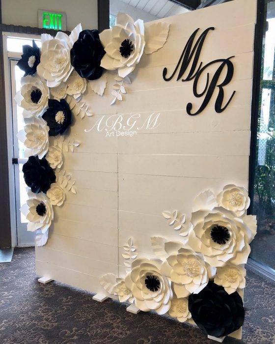 Идеи праздничного оформления бумажными цветами - 75 фото