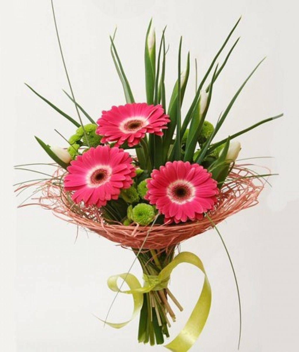 Букет невесты из хризантем и роз