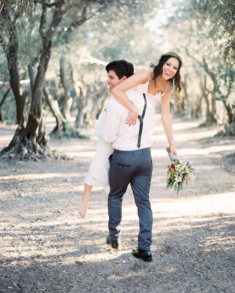 Красивая свадебная фотосессия на природе: несколько оригинальных идей