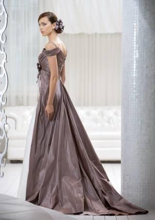 Коричневое платье – модные модели 2020 года