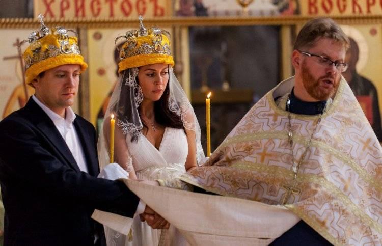 Как проходит и сколько длится обряд венчания в православной церкви в россии