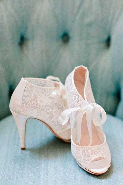 Обувь невесты. свадебные туфли на каблуке или без него?