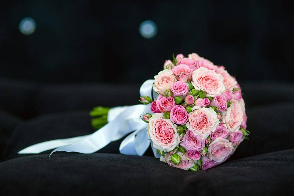 Как сохранить свадебный букет во время свадьбы, и после нее