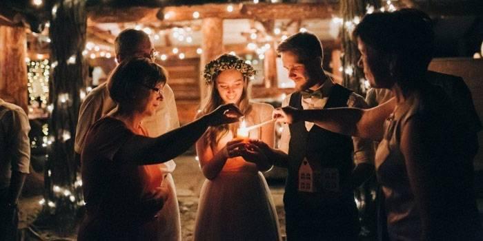 Семейный очаг на свадьбе – все тонкости традиции