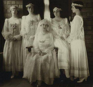 Почему свадебное платье белое? свадебный салон bliss. минск.