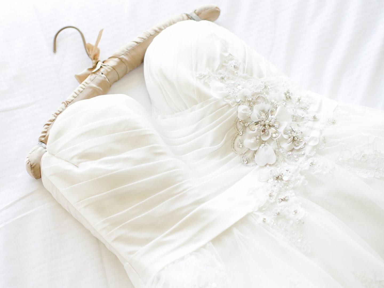 7 полезных идей или что делать со свадебным платьем после церемонии