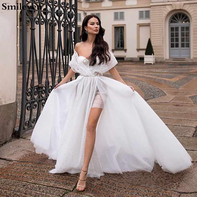 Свадебные платья со шлейфом – пышные, рыбка, кружевные, прямые, облегающие, атласные, закрытое, с открытыми плечами, стразами, кекс, аксессуары