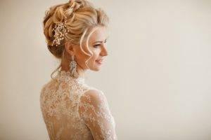 Свадебные прически: 120 фото вариантов свадебных причесок для образа невесты. укладки без фаты, с фатой, с живыми цветами, венками, с короной