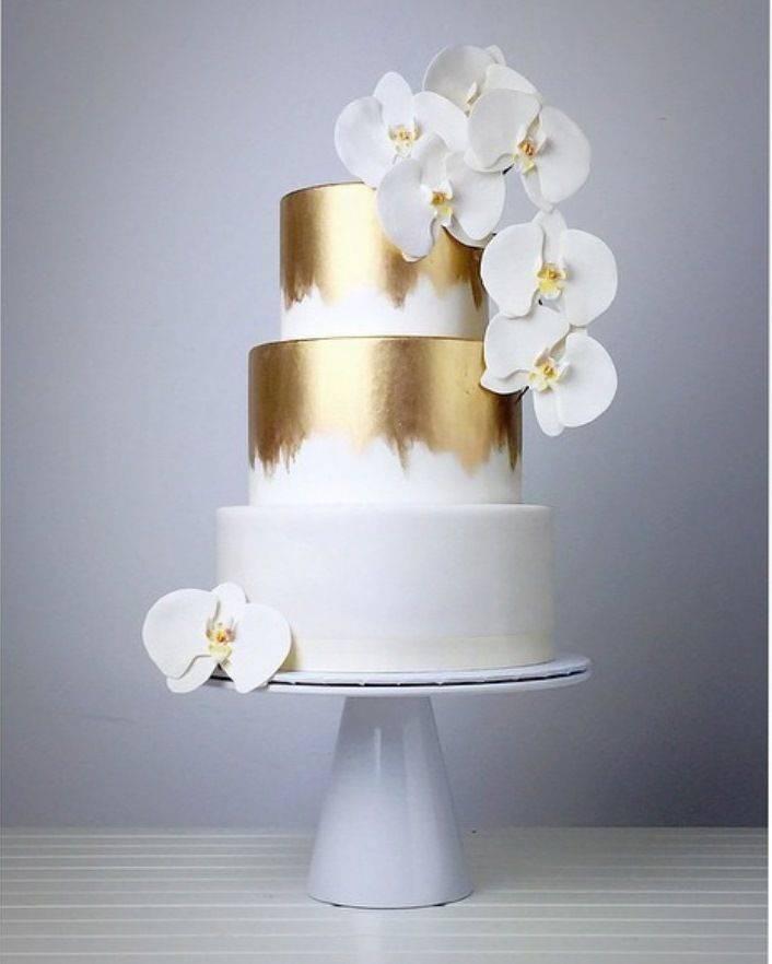 Торт на рубиновую свадьбу (25 фото): как украсить десерт для родителей на 40 лет брака? интересные варианты с кружевом из мастики