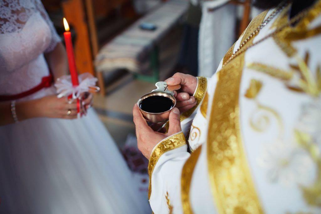 Что надевать на венчание: наряды и форма одежды, платья и головные уборы