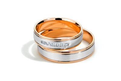 Приметы и психология: на каком пальце носят кольцо после развода и стоит ли это вообще делать?