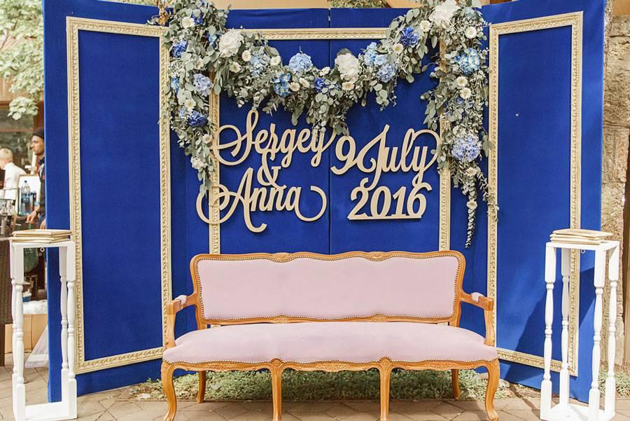 Баннер для фотосессии на свадьбу (39 фото): выбираем свадебный стенд