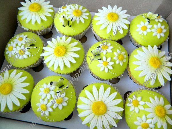 Свадебные капкейки, пряники и печенье – как удивить гостей сладким столом?