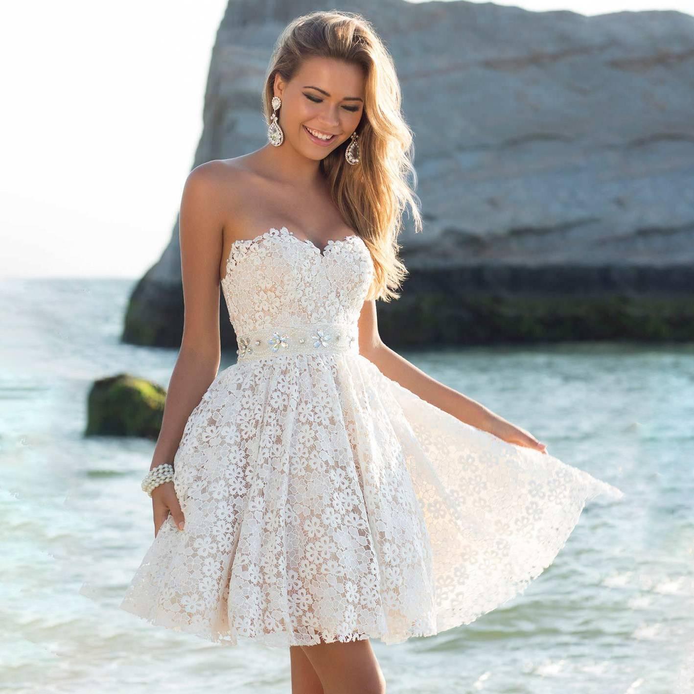 Платья со шлейфом: красивые длинные и короткие спереди, вечерние, на выпускной, кружевные