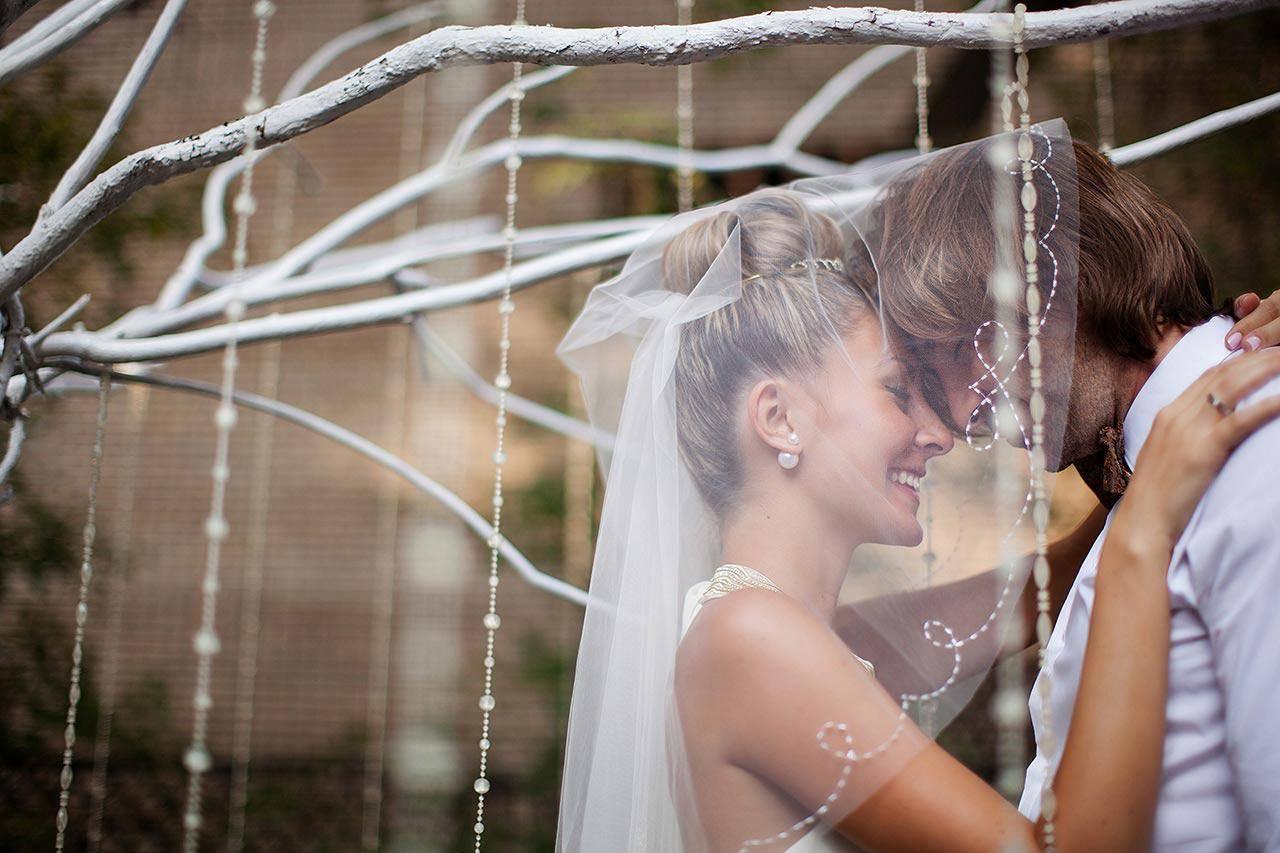 Как выбрать фотографа на свадьбу: 10 вопросов о свадебной фотосъемке