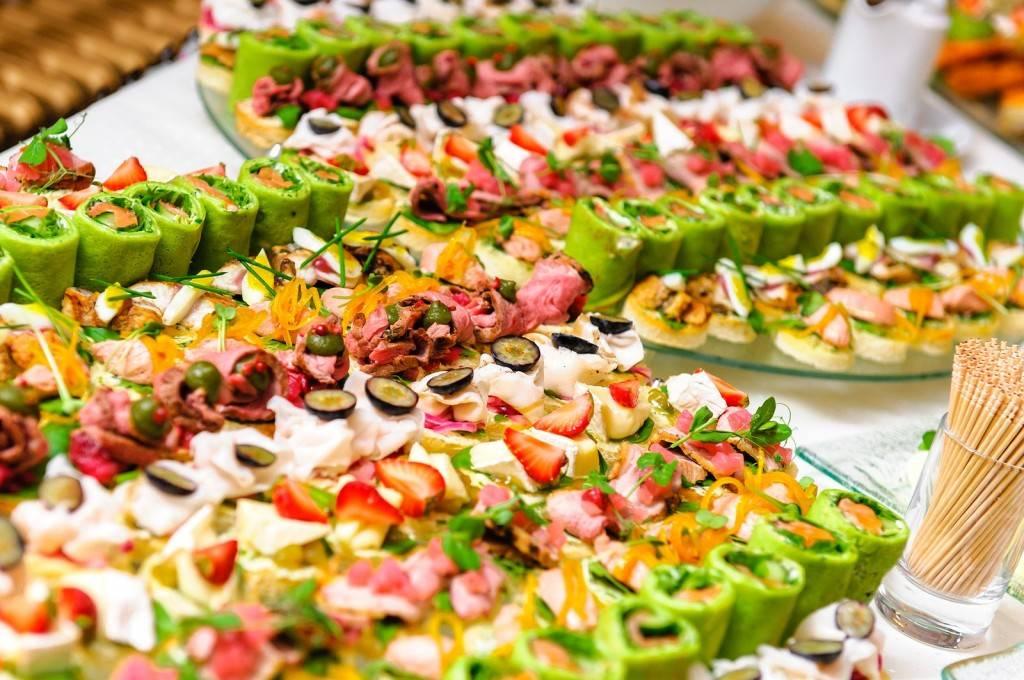 Примерное меню на свадьбу на человека: как рассчитать количество еды в ресторане или кафе?