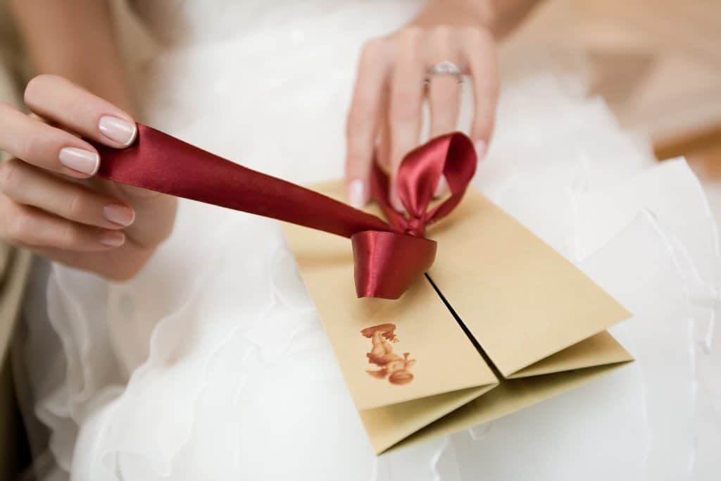 Идеи для девичника перед свадьбой: оригинальные сюрпризы для невесты от подружек. как проводят мероприятие и что на него дарят?