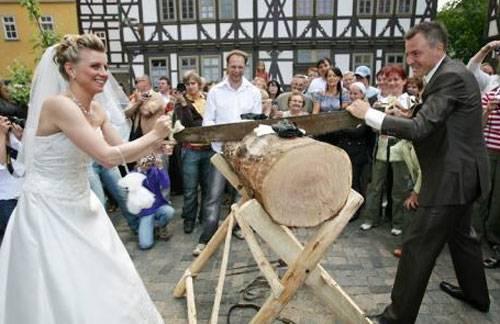 Топ-12 самых необычных свадебных традиций мира: от шотландии и китая до кении и бали