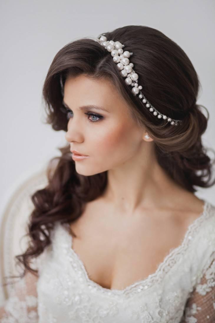 Свадебные прически с диадемой и фатой