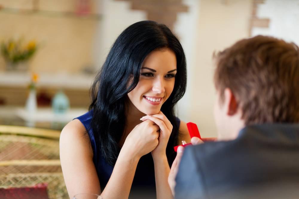 Как предложить руку и сердце, чтобы сразу перейти к свадьбе