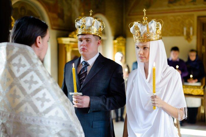 Какие кольца нужны для венчания в церкви: виды, советы и фото