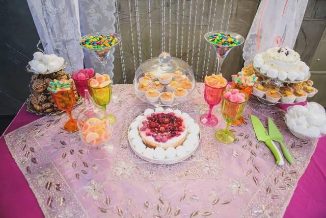Кэнди-бар на свадьбе – зона сладкого притяжения | идеи для свадьбы
