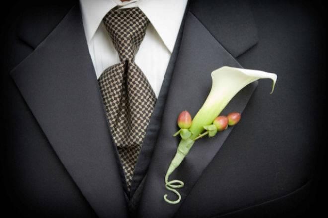 Свадебные прически с цветами: обзор лучших вариантов укладки и способов их выполнения