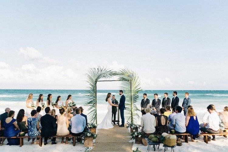 Пляжные свадебные платья: фасоны и модели