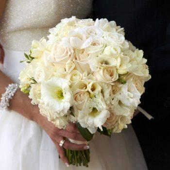 Букет невесты в красных тонах, какой выбрать?
