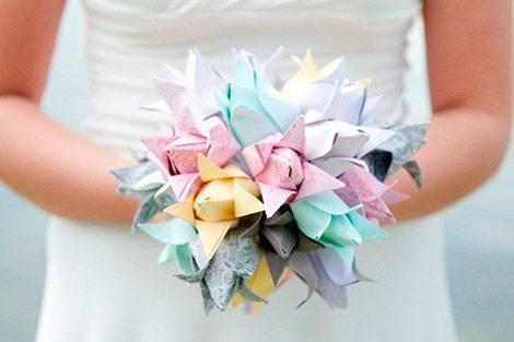 Что можно подарить мужу на бумажную свадьбу. топ самых оригинальных подарков на 2 годовщину