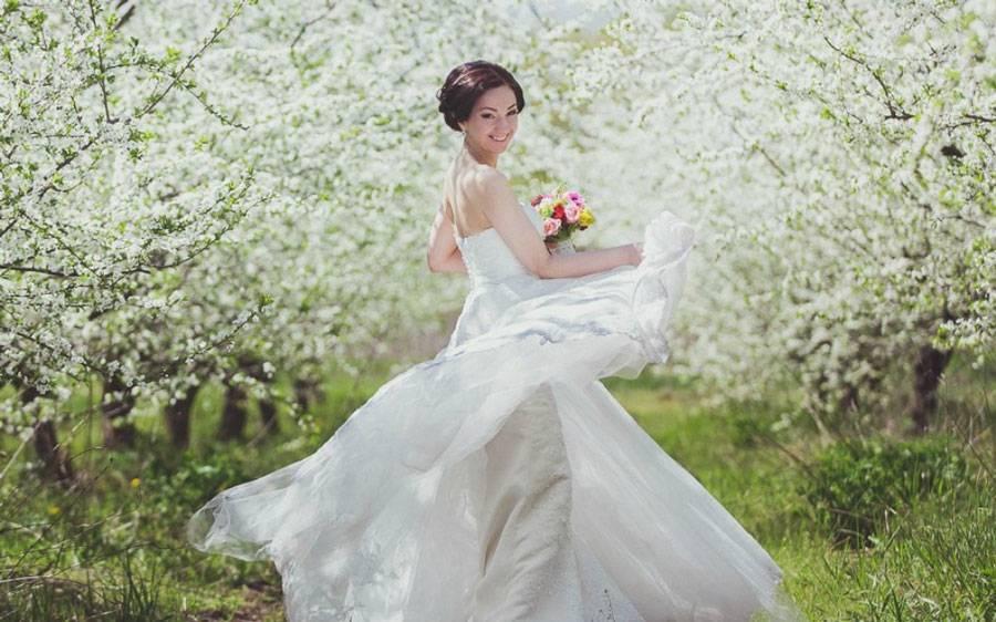 Прическа для подружки невесты: варианты на длинные и средние волосы