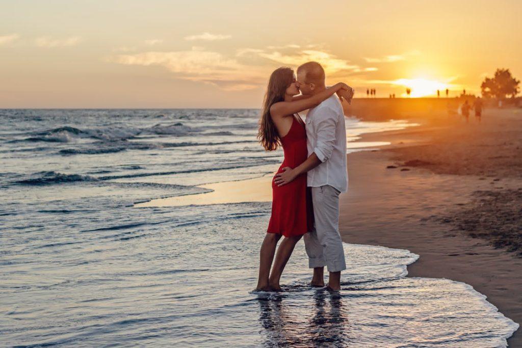 Куда поехать в августе в свадебное путешествие? где райское место для молодоженев