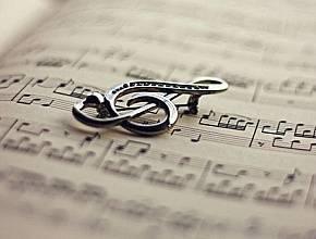 Что пишут на свадебных кольцах. примеры гравировки на обручальных кольцах с фото