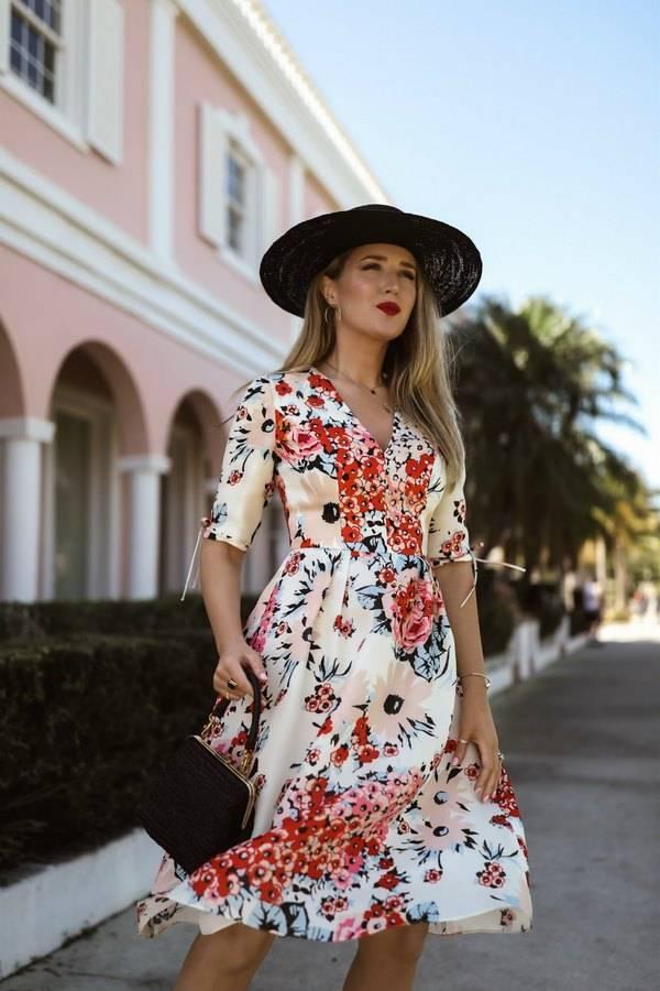 Нежные и романтичные платья с цветочным принтом