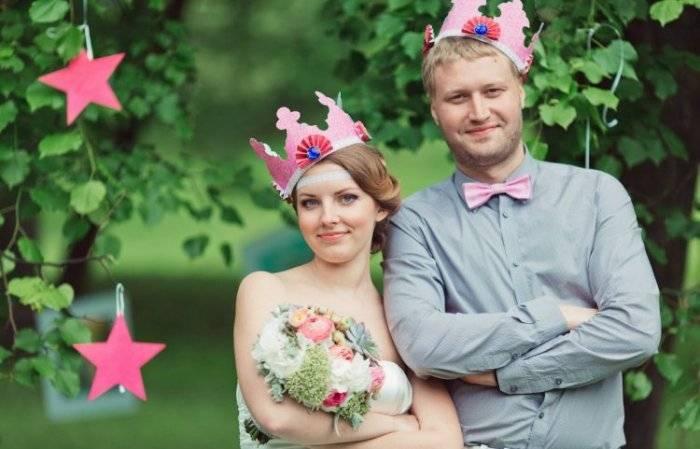 Что подарить жене на 10 лет совместной. что подарить на оловянную свадьбу (10 лет)