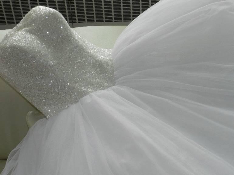 Платье для венчания в церкви: фото нарядов, советы по выбору и табу