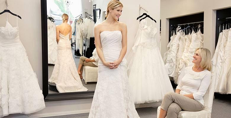 Свадебное платье с корсетом (46 фото): пышные с прозрачным корсетом, как правильно зашнуровать и завязать, белый