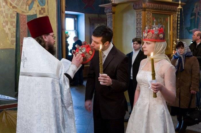 Как развенчать церковный брак: процедура, причины, обряд