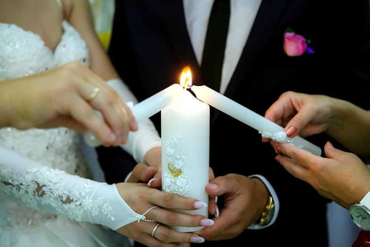 Украшения на свадьбу своими руками (71 фото): оригинальные свадебные аксессуары из бумаги, мастер-класс по изготовлению изделий ручной работы из бисера