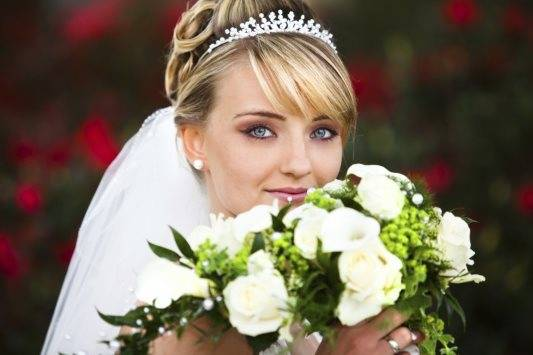 Самые популярные свадебные прически с фатой: лучшие идеи и советы