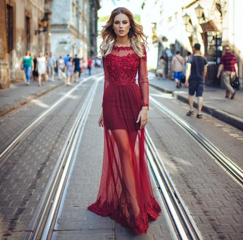 Красивое платье с открытой спиной – короткое и длинное в пол, вечернее и коктейльное, кружевное и трикотажное, шифоновое и вязаное