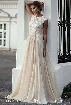 Платье со стразами — сногсшибательный модный тренд