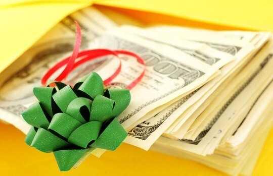 Как красиво подарить деньги на день рождения?