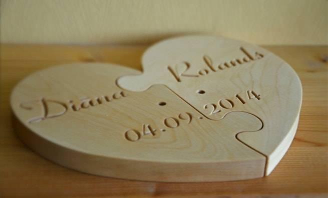 Что подарить мужу на годовщину свадьбы, при этом соблюдая все традиции?